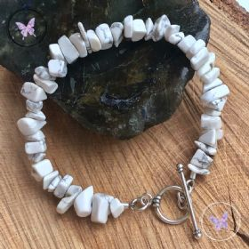 Howlite Chip Bracelet With Silver Toggle Clasp